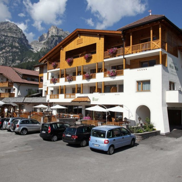 Val badia le migliori offerte per hotel appartamenti agriturismi in alta badia - Residence val badia con piscina ...